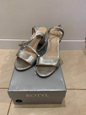 Sandałki Kotyl