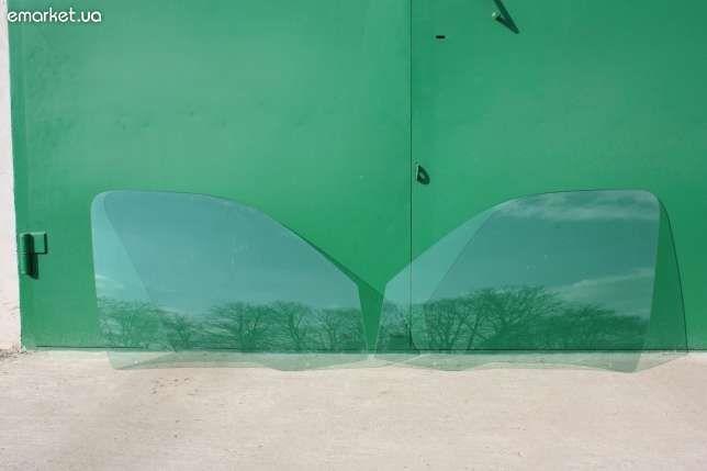 Citroen Berlingo Pegout Partner левое боковое стекло