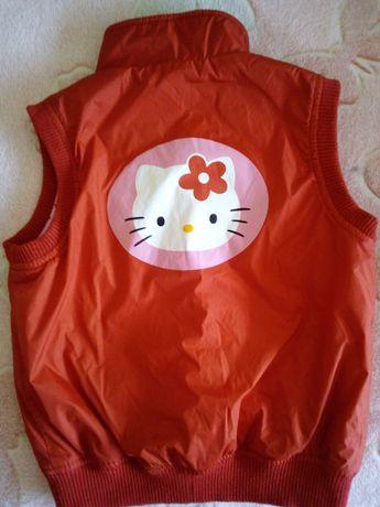Kamizelka Hello Kitty ciepła i przeciwdeszczowa.