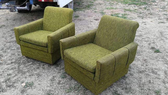 Fotele PRL zielone
