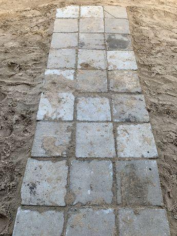 Plytki chodnikowe 35x35