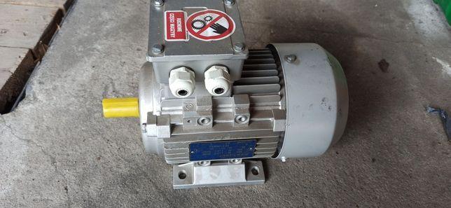 Silnik 230/400 V 0.75 KW 2840 obr/min
