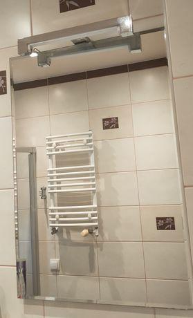 Lustro łazienkowe 80x55 z kinkietem