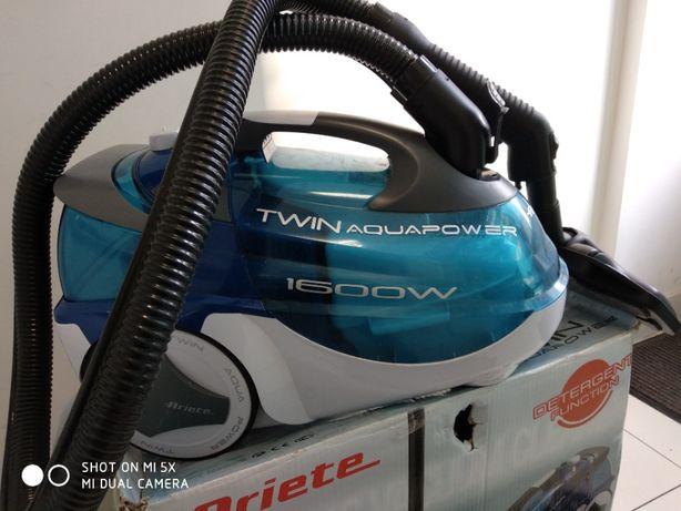 Пылесос Ariete 2477 Twin Aqua Power