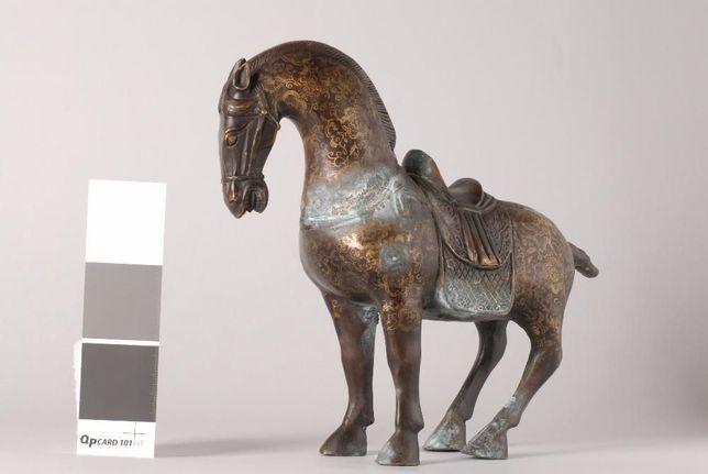 Conservação e restauro de objectos decorativos e artisticos