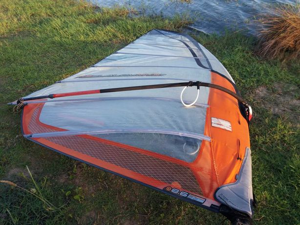 Vela windsurf 8.6
