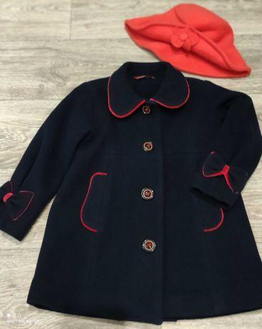 Пальто для девочки 2-4года