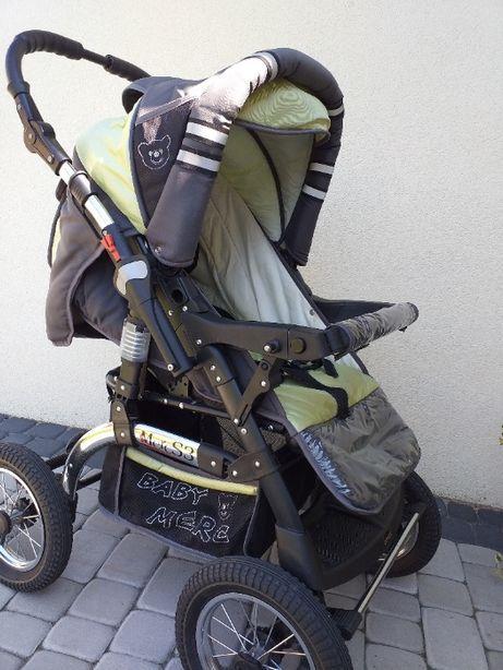 wózek dziecięcy z wyposażeniem
