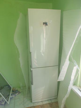 Холодильник двухкамерный lg
