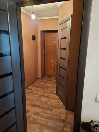 3х кімнатна квартира в смт. Черняхів з капітальним ремонтом
