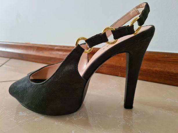 Sandałki na obcasie marki Centro