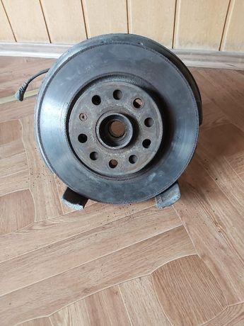 Ступица + тормозной диск передняя caddy 04-10