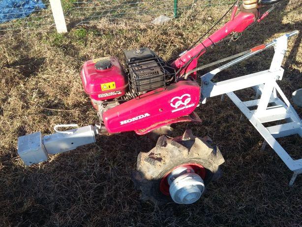 Traktorek jednoosiowy dzik glebogryzarka Honda