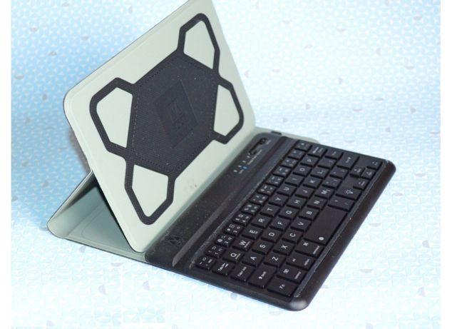 Универсальный чехол на планшет с блютус-клавиатурой 7-8,9-10