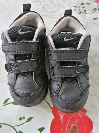 Кроссовки на мальчика Nike оригинал, 24й размер