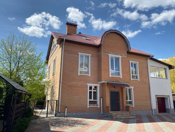 Продаж будинку 467м2 на 3 квартири Лисянська