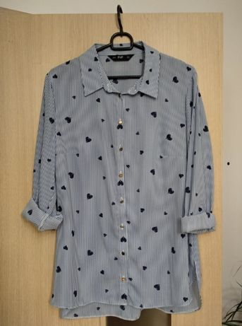 Błękitna koszula w serduszka