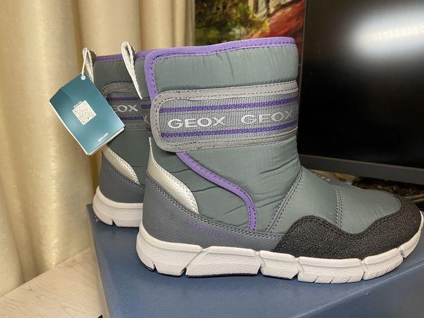 Дутики Зимние сапоги  GEOX зимние новые размер 33 Италия
