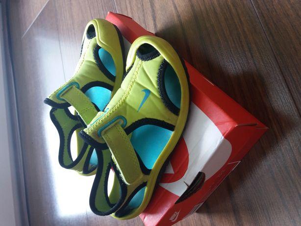 buty sandałki Nike. rozmiar 26