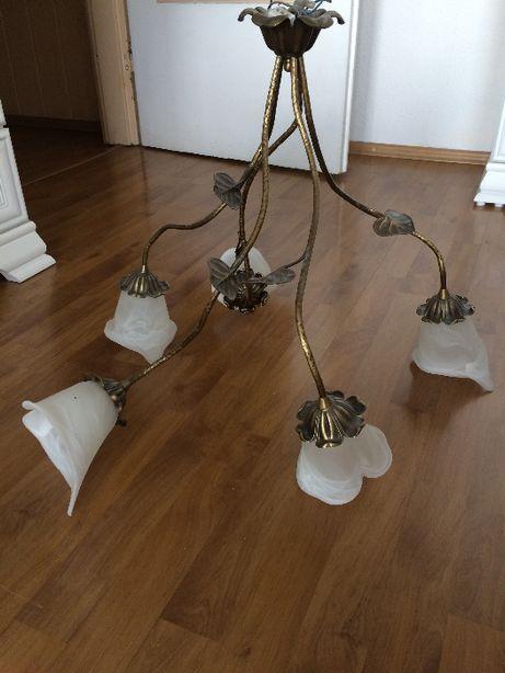 Stylowy żyrandol do salonu