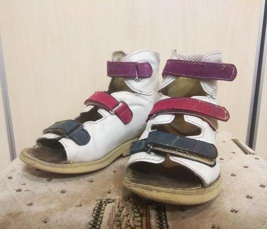 Ортопедические сандали со стелькой вп2