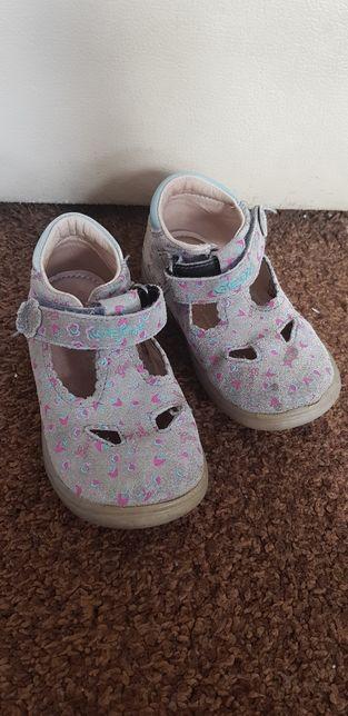 Buty półbuty GEOX 22 na rzep wkładka 14 cm. Na wiosnę lato.