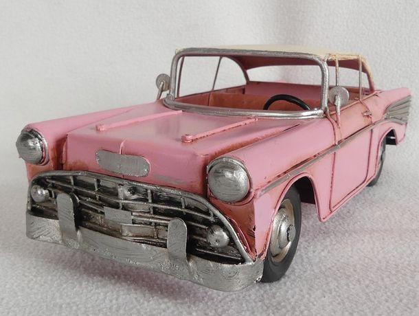 Metalowy model pojazd AUTO GAZ 13 - CZAJKA różowa