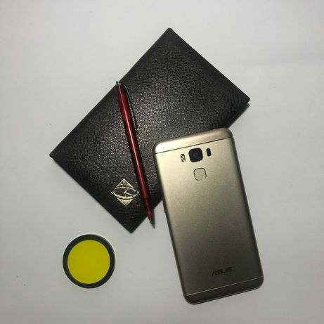 Смартфон ASUS Zenfone 3 (5.5) MAX 3GB 32 GB