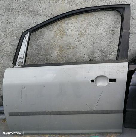 Porta frente esquerda Ford C-max de 2005.