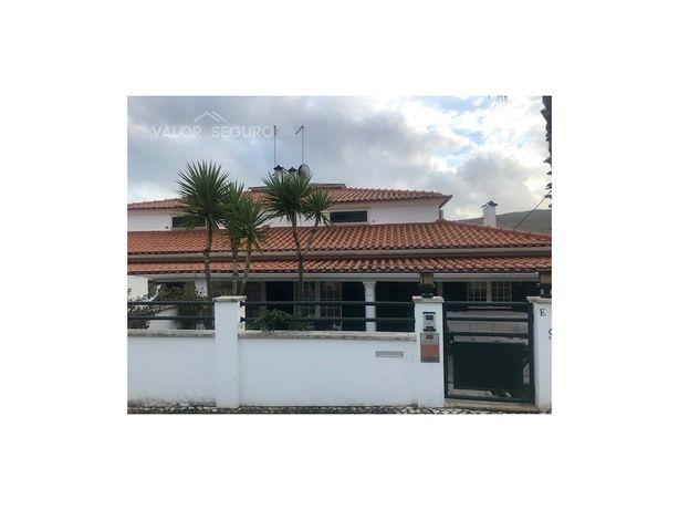 Moradia T6 com 3 pisos em À-de-Freire, São João dos Montes