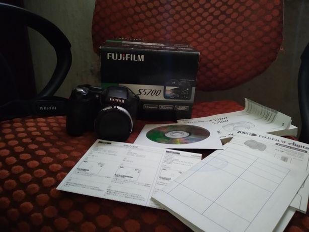 Fujifilm FinePix S5700 фотоаппарат