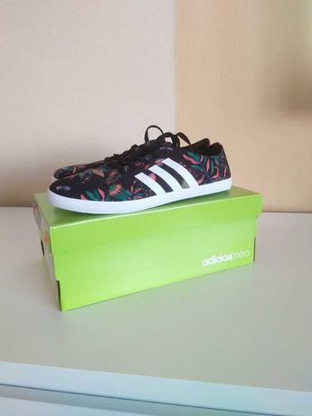 Tenisówki damskie, nowe, marki Adidas w rozmiarze 38