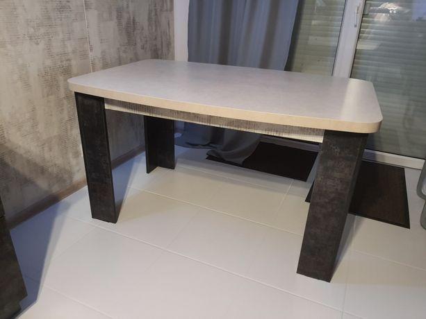 Stół i 4 krzesla