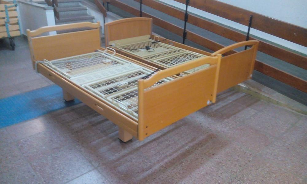 łóżko rehabilitacyjne używane z Niemiec z 3 funkcjami z pilota