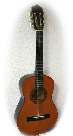 Гітара дитяча (гарний звук)