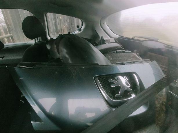 Peugeot 207 na części  lusterko zderzak fotele kanapa