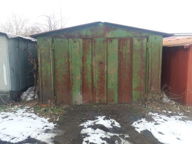 Продам гараж металевий на Котовського  біля гуртожитку ФЕРММАША