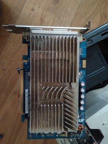 Asus p5q pro, geil 2x2, Intel E8400, Corsair hx520, asus 8600gt