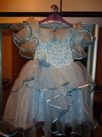 Продам красивое платье на девочку 2-4 года