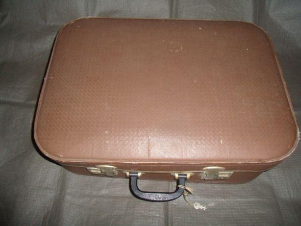 Чемодан винтажный советский коричневый, два замка, ключ. 55 Х 40 см.