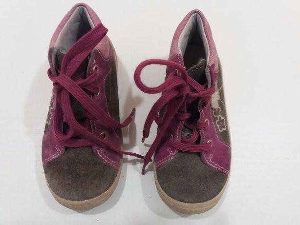 Осіннє взуття для дівчинки 23 р.