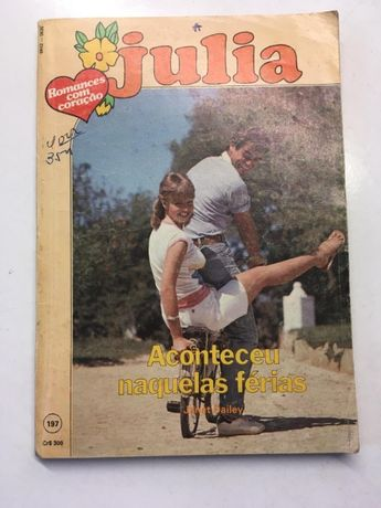Livro - 'Julia' - Aconteceu Naquelas Férias