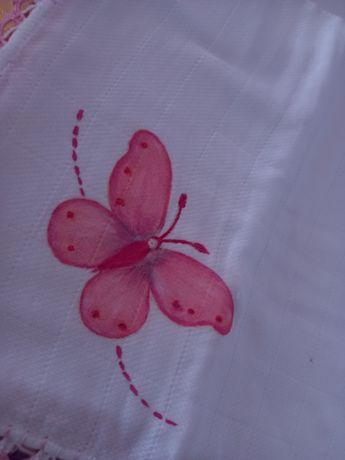 Fralda com borboleta pintada à mão