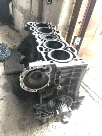 Двигатель Volvo 2.4 D5 блок вал поршня демпфер маховик бублик гидромуф
