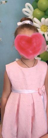 Нарядное платье р.110