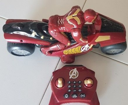 Moto telecomandada do Iron Man Avengens Disney DIVERTIDA