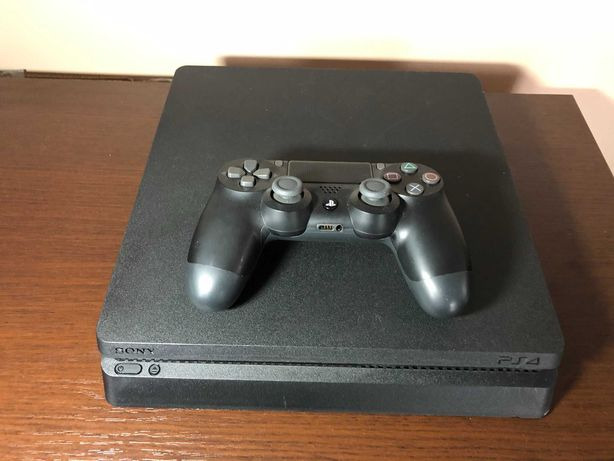 Konsola PS4 Playstation 4 500 GB + 1 pad