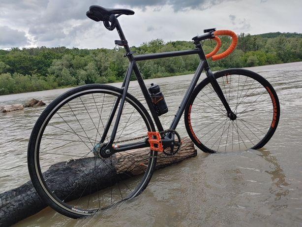 Велосипед гибридный
