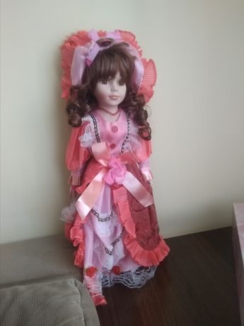 Лялька (кукла) колекційна, керамічна. Виробництво Китай