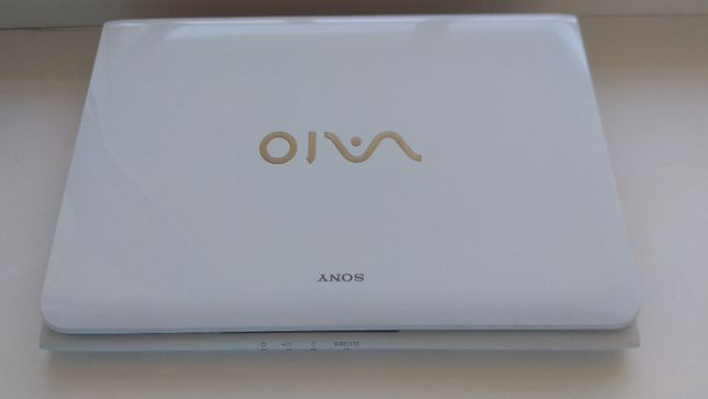 Ноутбук Sony VAIO SVE1112M1R на запчасти